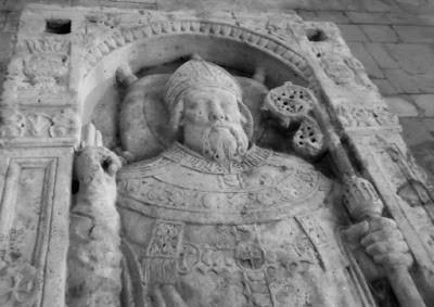 tombeau Saint Mansuy b.jpg